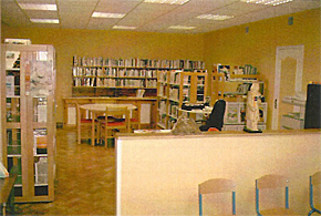 Intérieur de la bibliothèque municipale de Monthou-sur-Bièvre
